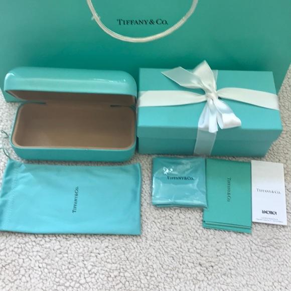 39bfd8149e5 Tiffany   Co sunglasses case
